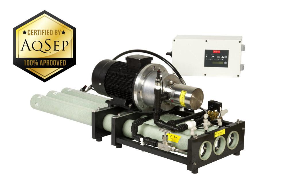 Reverse osmosis water maker